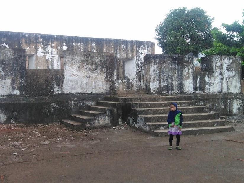 Hujan di Situs Warungboto