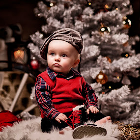 Its christmas time by Jan Kraft - Babies & Children Child Portraits ( red christmas colours vintage portrait lightshaping boy watching, World_is_RED )