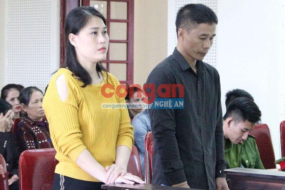 Bị cáo Trương Thị Oanh và Trần Đăng Ngọc tại phiên tòa