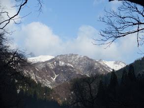 左に薙刀山