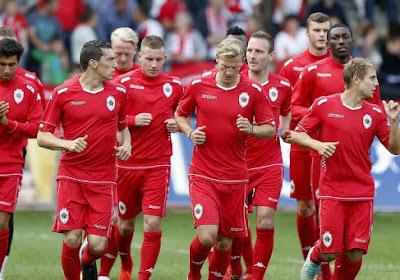 Sandro Calabro wil scoren tegen Antwerp FC