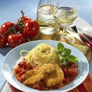 Puten-Piccata mit Salsa Verde und Tomaten-Rucolasalat á la Martin Baudrexel