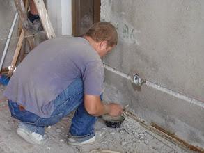 Photo: Začíná nejhrubší práce elektrikářů.