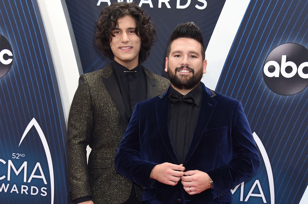 Dan-Shay-cma-red-carpet-billboard-1548-1024x677