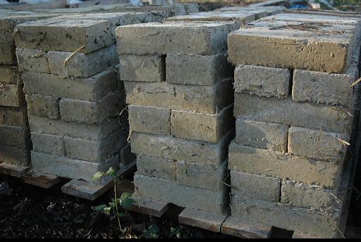 Briques terre crue