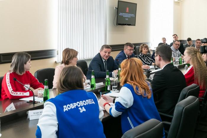 Волонтеры культуры приняли участие во встрече губернатора с добровольцами