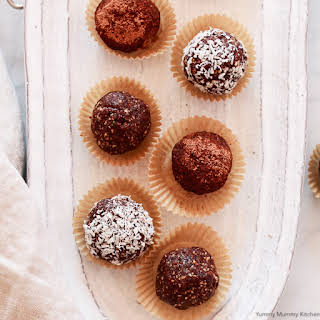 Cacao Almond Bliss Balls.