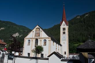 Photo: Ried im Oberinntal,kościół farny, pochodzący pierwotnie z 1397, przebudowany w stylu barokowym.