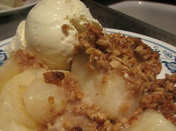 Cinnamon, Vanilla & Pear Crisp Recipe
