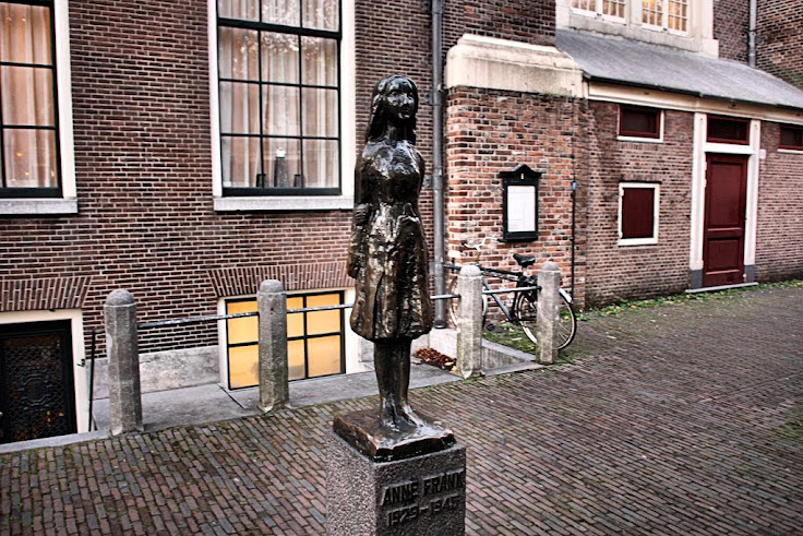 Anne Frank's memorial next to Westerkerk.  Photo: Luca Messina.