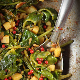 Malabar Spinach with Fresh Black Pepper Fruit