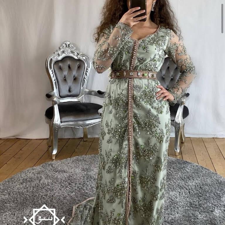 Sou Dresses Fachgeschaft Verleih Shop In Dusseldorf Fur Orientalische Fest Und Abendmode
