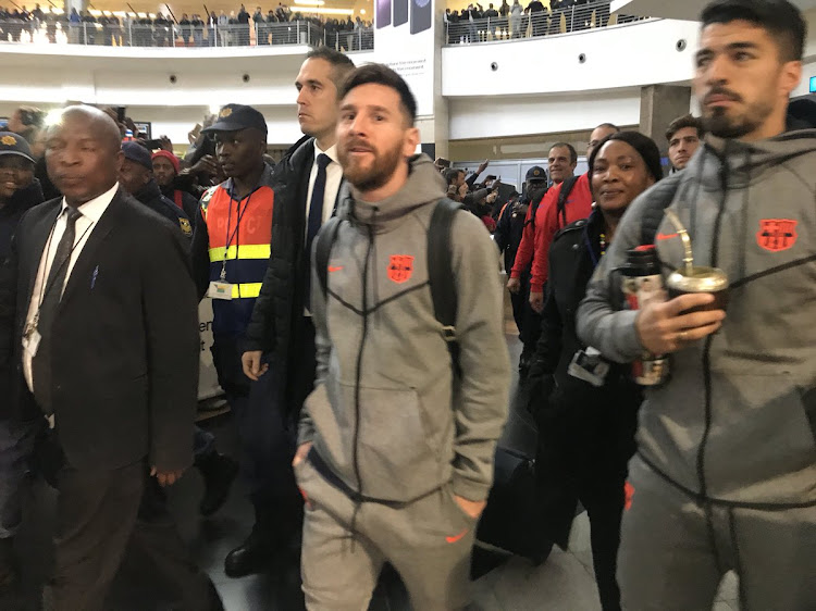 WATCH | Messi finally arrives in SA with his Barcelona colleagues