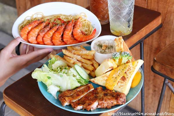 勤美科博館附近的早午餐禾間糧倉,花雕燒酒蝦創意義大利麵,超值大份量,二訪絕對不是問題