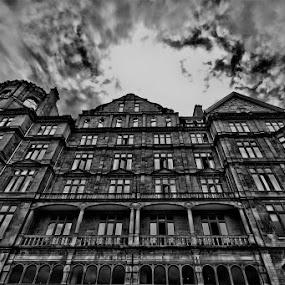 Bath Neckbreaker by Thilo Bayer - Buildings & Architecture Public & Historical ( black and white, pwcbuilding )