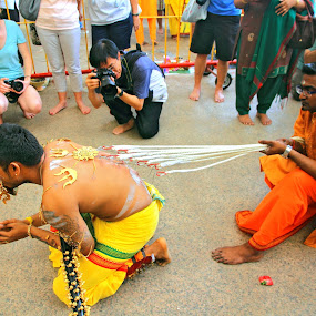 Thaipusam Festival by Alit  Apriyana - News & Events World Events