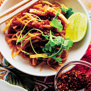 Dry-Fried Rice Noodles (Khua Mee).