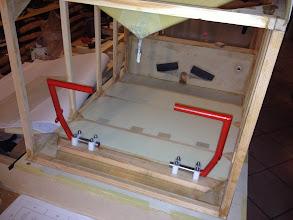 Photo: ho aggiunto dei blocchetti di compensato spessore 15 mm. per ancorare dei sotto piedi, così da poterli sostituire a volontà.