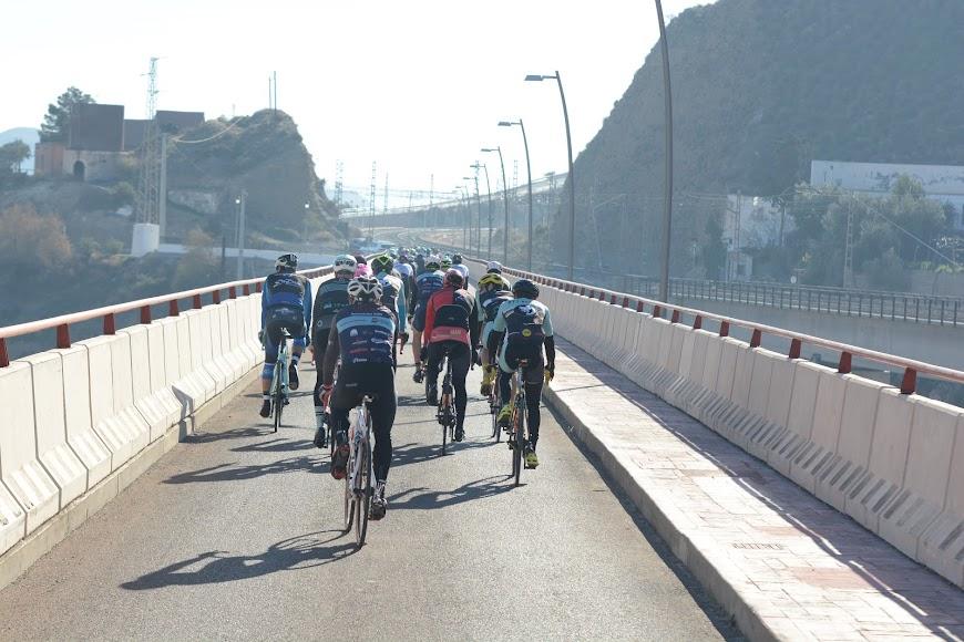 Cruzando por el puente de Santa Fé.