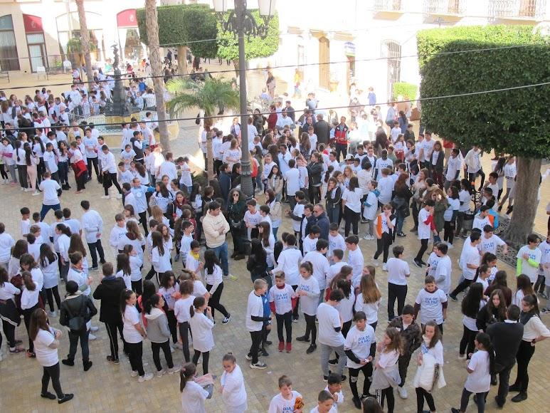 Vera conmemora el Día Escolar de la Paz y la No Violencia.