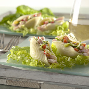Bacon-Stuffed Shell Salad