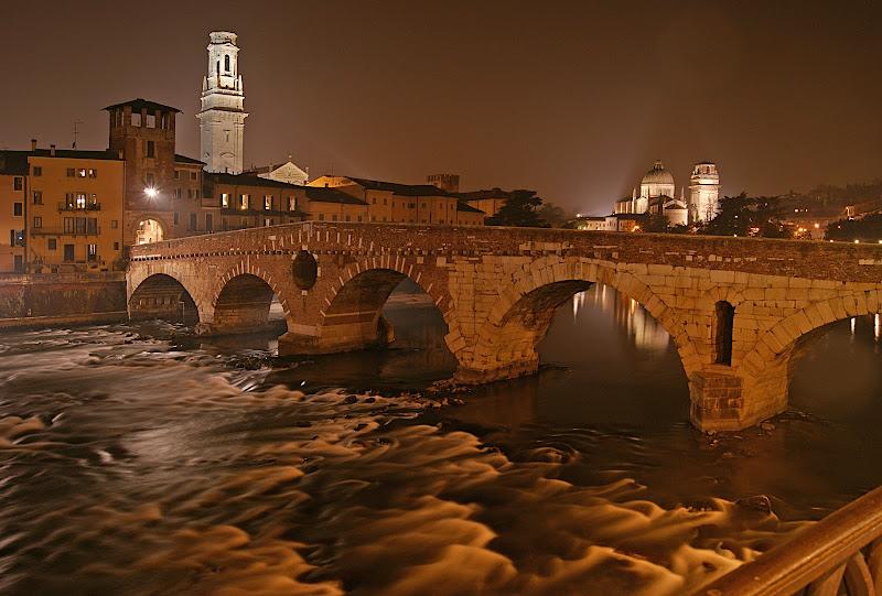 Ponte Pietra, Verona di danilo56