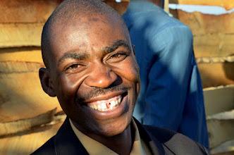 Photo: Široký africký úsměv dlouholetého spolupracovíka Mathiase