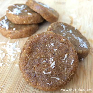 3 Ingredient Raw Mulberry Cookies
