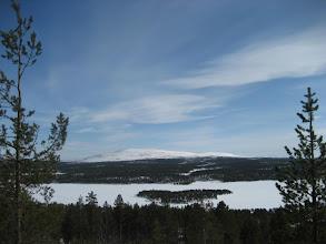 Photo: Ounasjärvi ja -tunturi Jyppyrän päältä, jonne on Majatalosta lyhyt matka