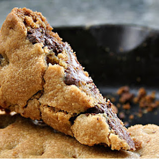 Snow-Day Skillet Cookie
