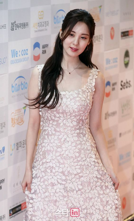 seohyun gown 32