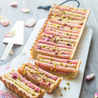 Rhubarb, Rose & Pistachios Pie Recipe