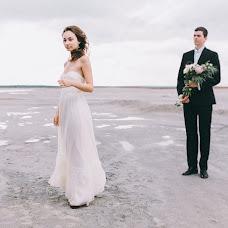 Wedding photographer Alina Kamenskikh (AlinaKam). Photo of 13.08.2014