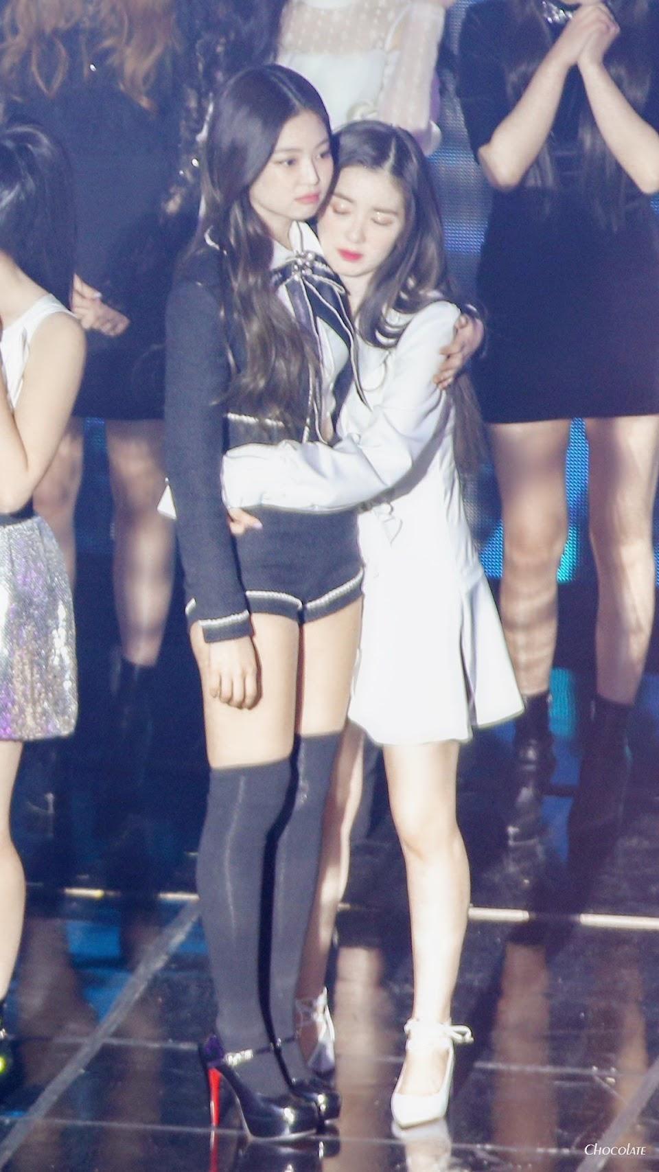 hug jennie irene