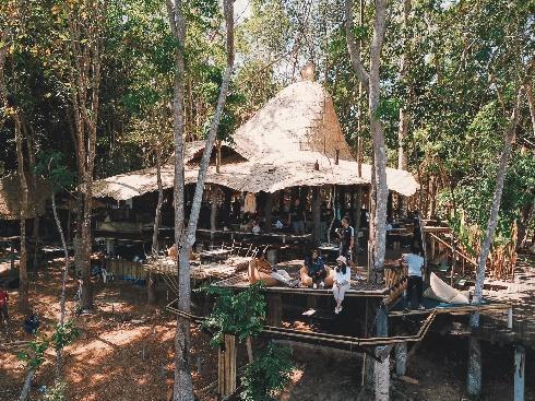 4. ดราก้อน วิว บาร์ แอนด์ เรสเตอรอง (Dragon View Bar & Restaurant)