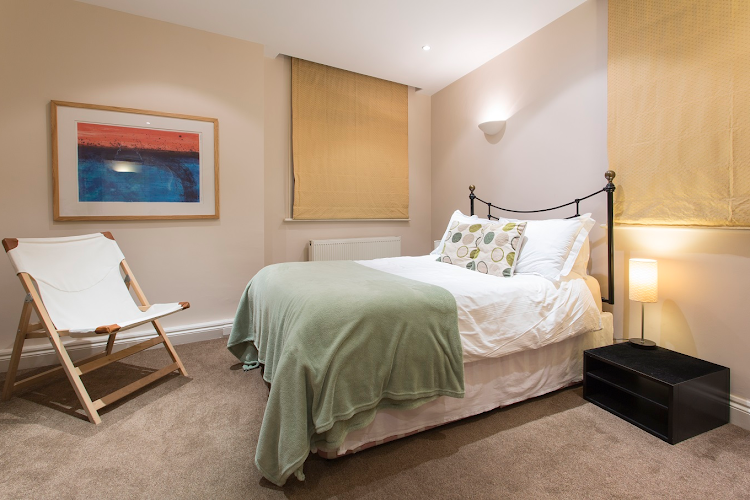 Luxury bedroom at Abbotts Chambers in Liverpool Street
