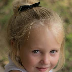 Katelyn by Leanne Vorster - Babies & Children Child Portraits ( blonde, girl, portrait, outside )