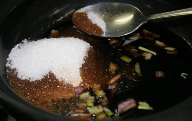 Image result for Cho đường khi thức ăn ở nhiệt độ cao
