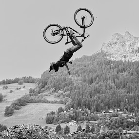 Failed. by Renaud Igor - Black & White Sports