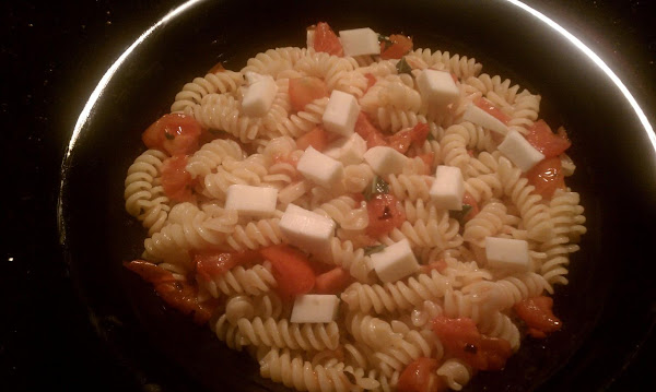 Pasta With Fresh Tomatoes And Mozzerella Recipe