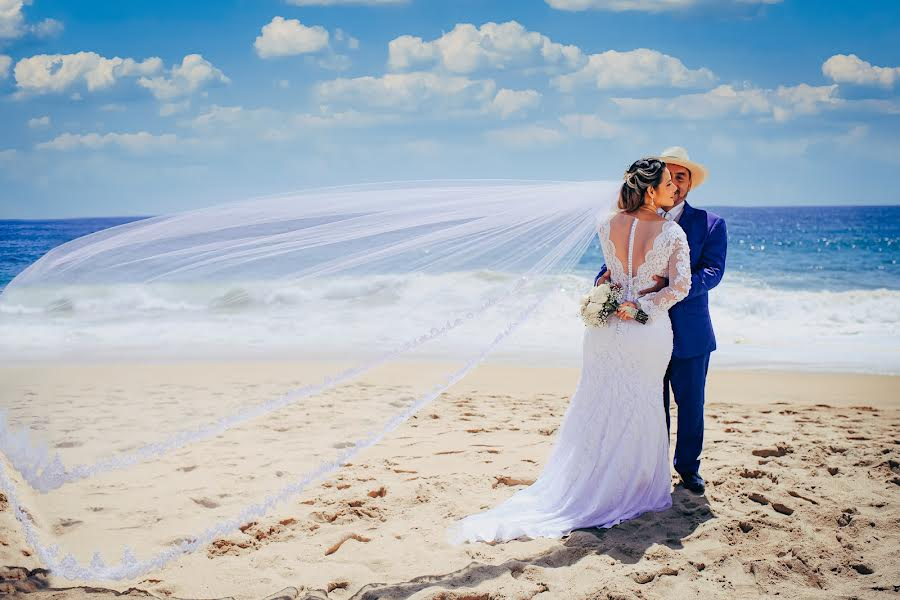 Wedding photographer Christian Puello (puelloconde). Photo of 24.12.2020
