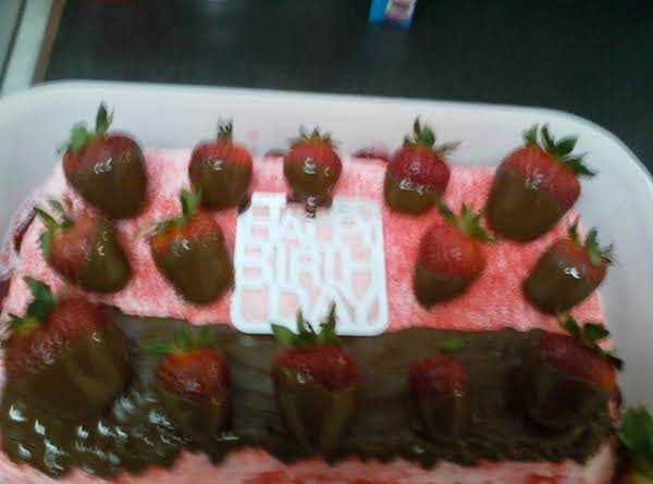 Simply Strawberry Cream Cake Recipe