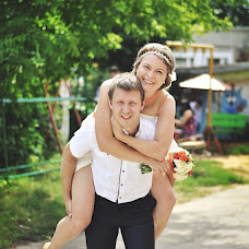 Wedding photographer Alina Ganenkova (Ovchinnikova). Photo of 12.09.2013