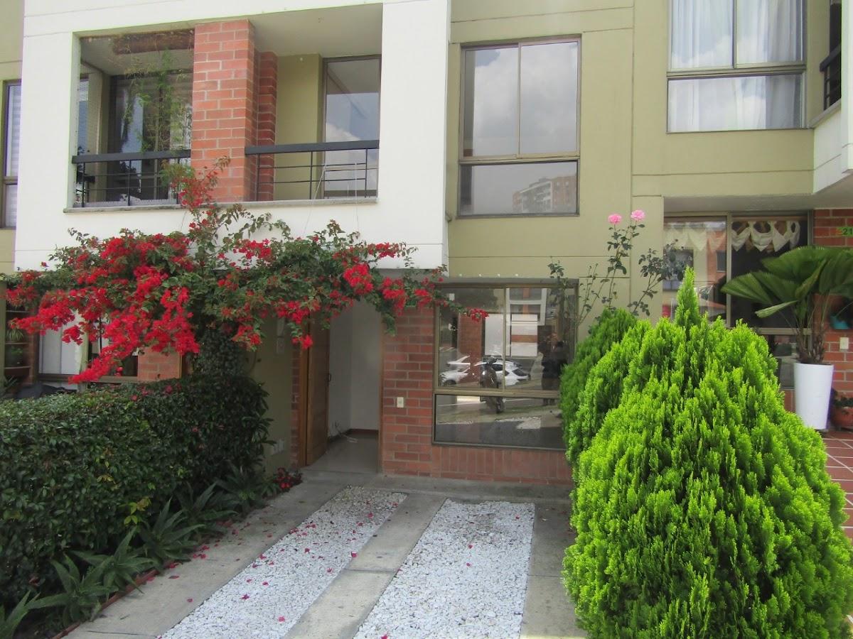 casas en venta la estrella 691-7851