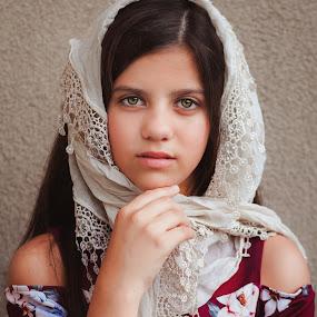 ticiana by Anna Anastasova - Babies & Children Child Portraits ( beautiful, beauty, retro, girl, girl child )