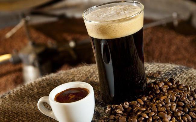 Cà phê nguyên chất thường có vị chua thanh tao xen lẫn vị đắng
