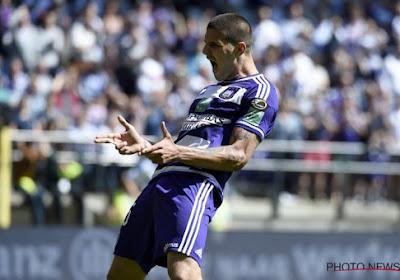'Vanhaezebrouck twijfelt over Boakye, maar Anderlecht verkiest hem boven Mitrovic'