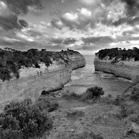 Port Campbell by Leonardus Cung - Black & White Landscapes ( port campbell, black and white, sunset, cliff, beach, landscape, landscapes )
