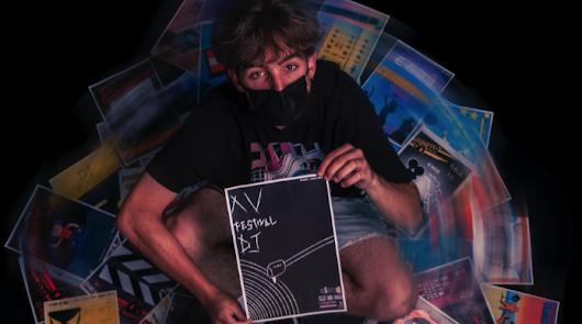 El trazo de una tiza sobre una pizarra gana el concurso de carteles EISO DJ