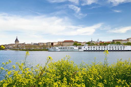 river-royale-in-blaye2.jpg - Uniworld's River Royale stops in Blaye in the Bordeaux region of France.